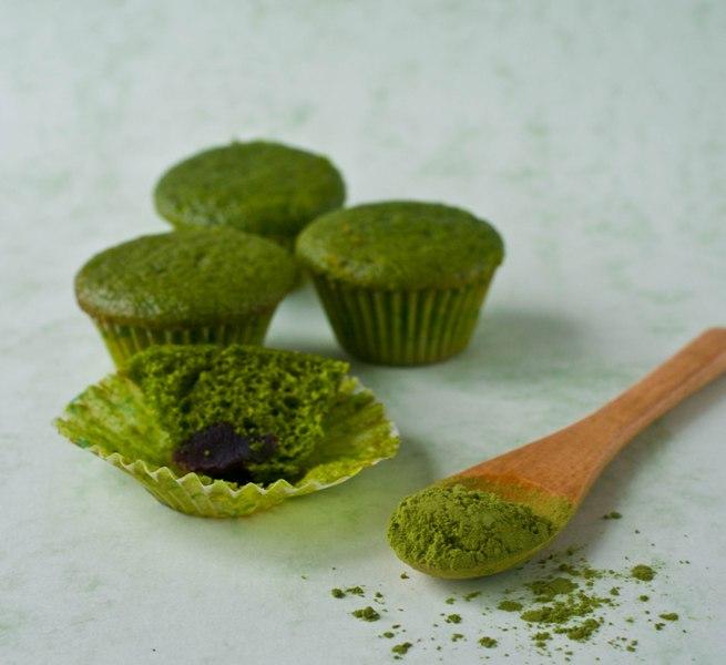 Matcha Green tea Cupcake with Red bean filling (4)